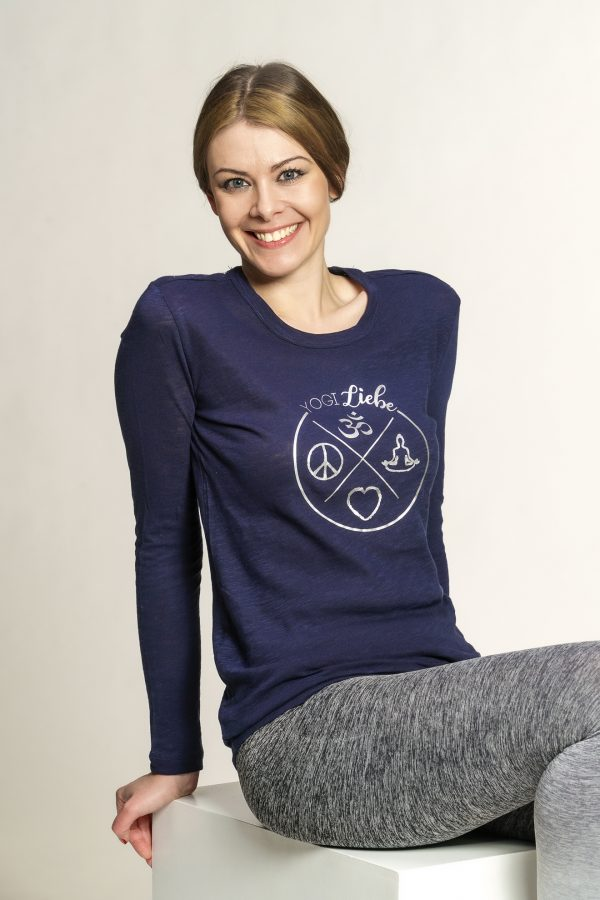 Yoga-shirt-langarm-blau-silber-bio-yogamode